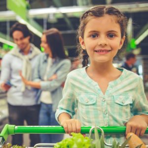 9 Easy Ways to Grocery Shop with Kids in Tow