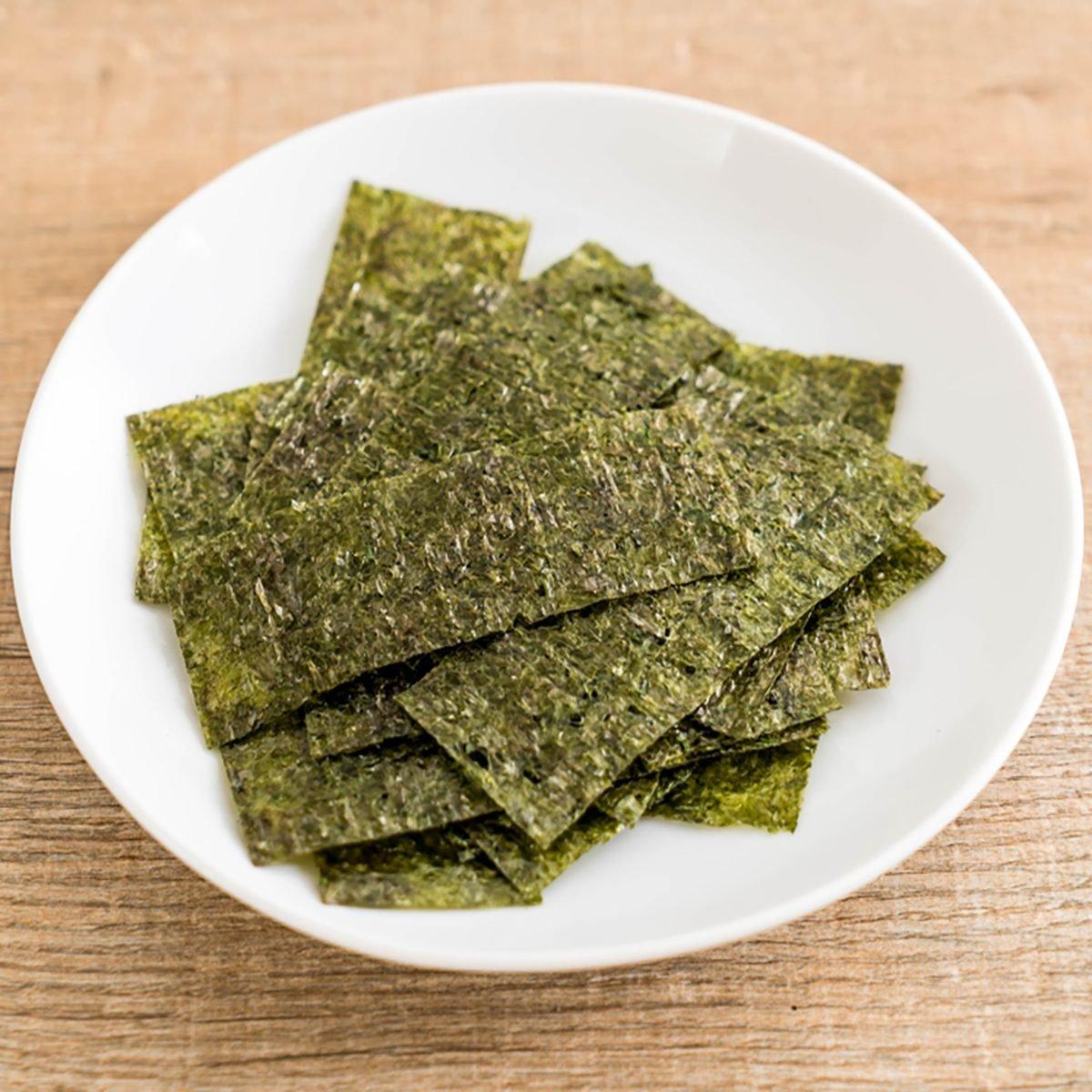 dried seaweed on plate - healthy food
