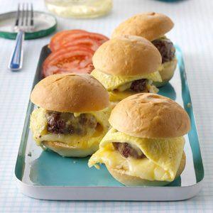 Cheeseburger Omelet Sliders