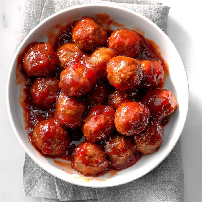 Cranberry Sauce Meatballs Exps Thso18 228833 D04 20 2b 8