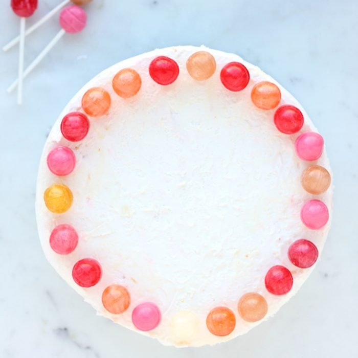 Cake with lollipop decorations