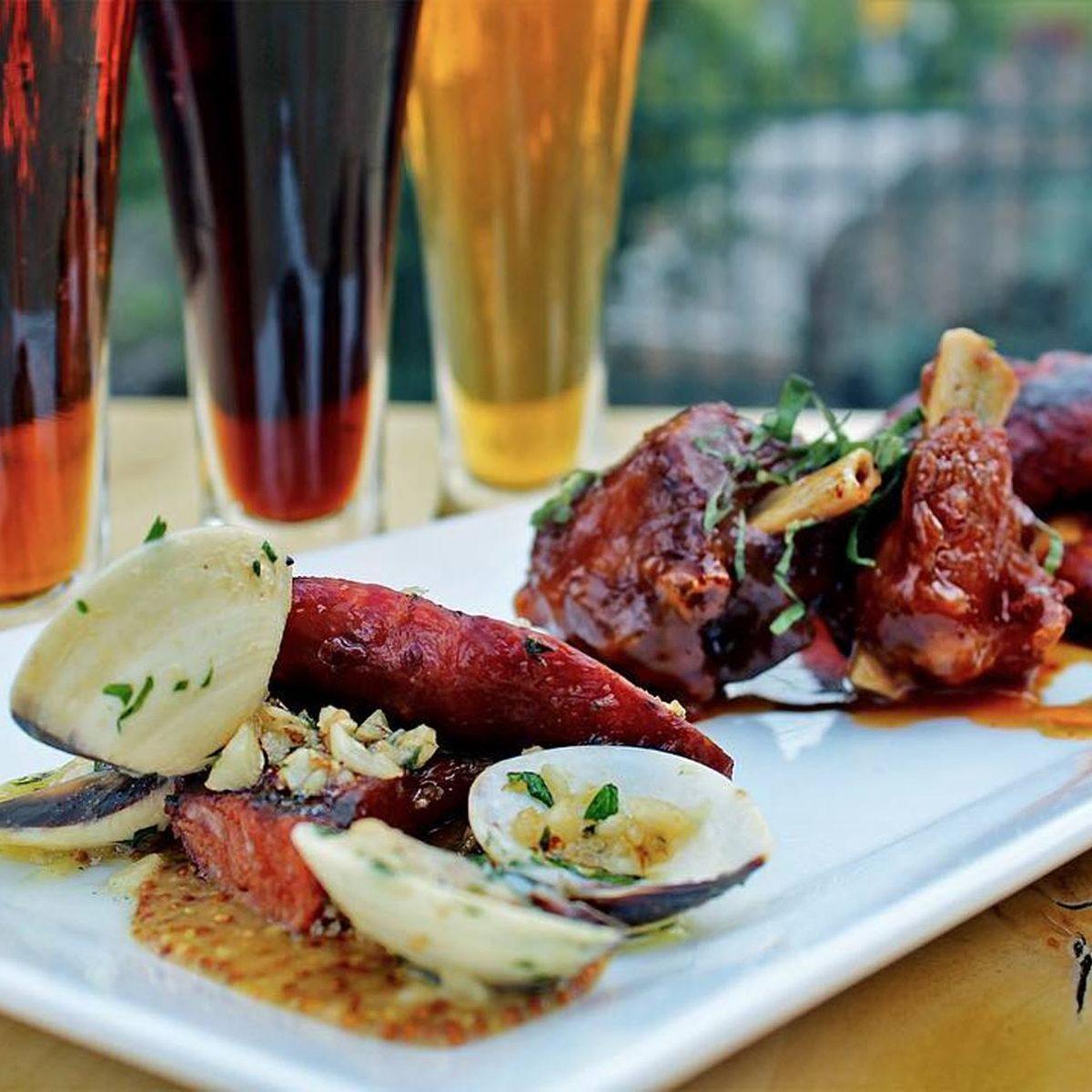 Ribs, clams and beer at Sockeye