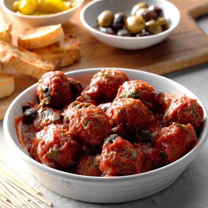 Meatballs With Marinara Sauce Exps Thso18 228883 D04 20 6b 2