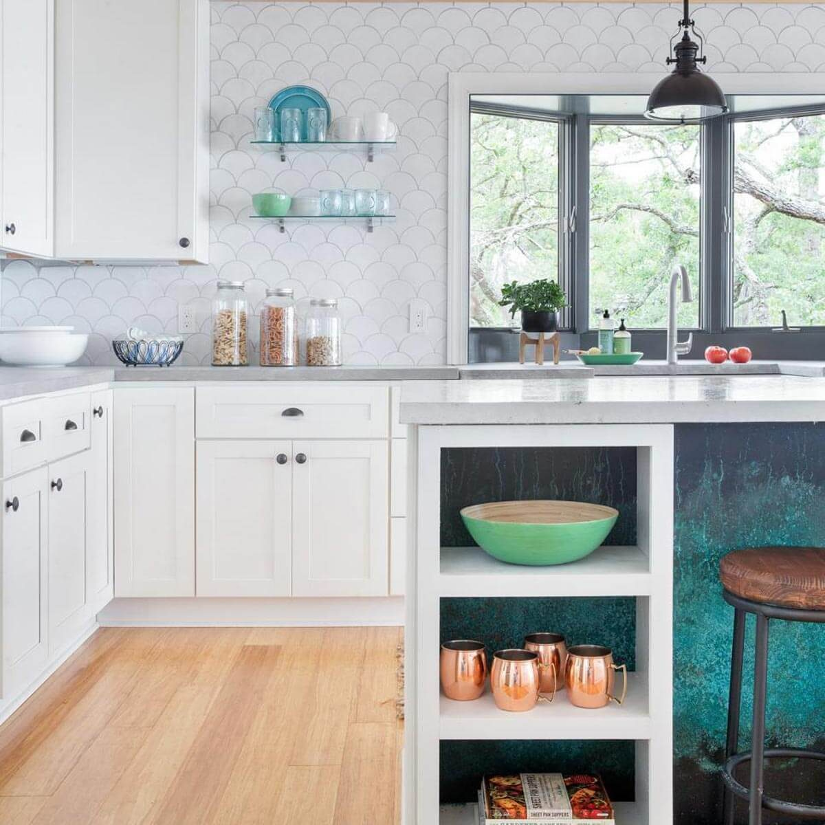 30 kitchen backsplash ideas taste of home - Kitchen tile backsplash design ideas ...