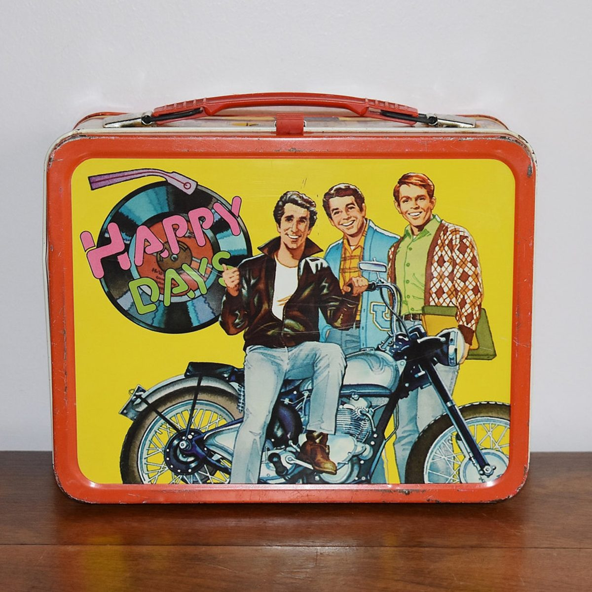 ad66c9d647c0 7 Vintage Lunch Boxes That'll Take You Back | Taste of Home