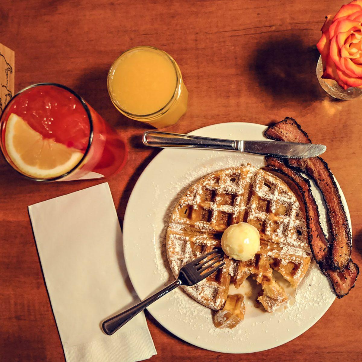 best airport restaurants Matt's Big Breakfast