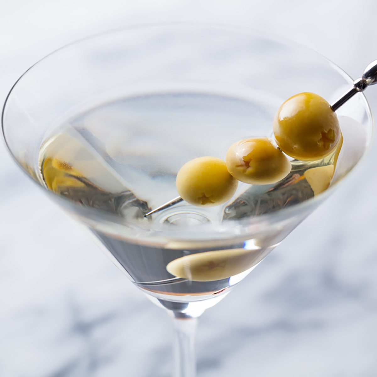 Here's How to Shake (or Stir) a Martini Like the Pros