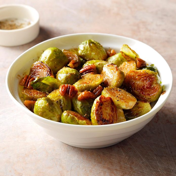 Brussel Sprouts With Pecans And Honey Exps Thn18 222091 B06 05 1b 1
