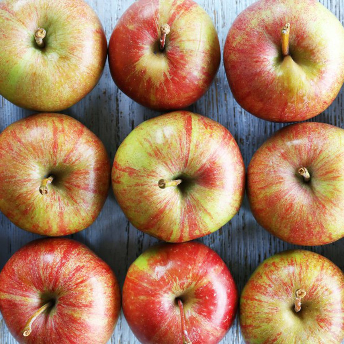 Apples lined up