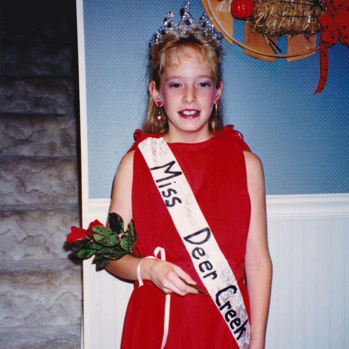 girl dressed as a beauty queen for Halloween costume