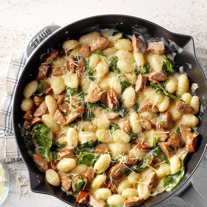 Gnocchi With Spinach And Chicken Sausage Exps Sdon18 126406 B06 15 7b 12