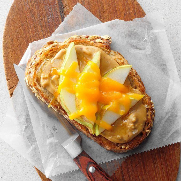 Peanut Butter Honey Pear Open Faced Sandwiches Exps Thn18 165203 B06 01 4b 6