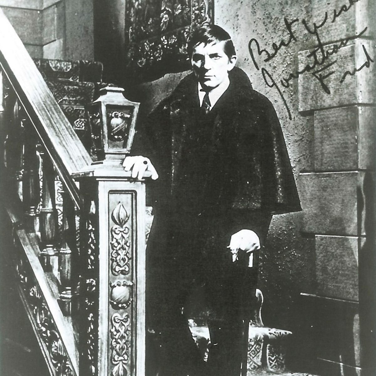 Barnabas Collins fan club photo from Dark Shadows /REM Magazine/2016/10/REMON16_OnScreen_036-038/Links