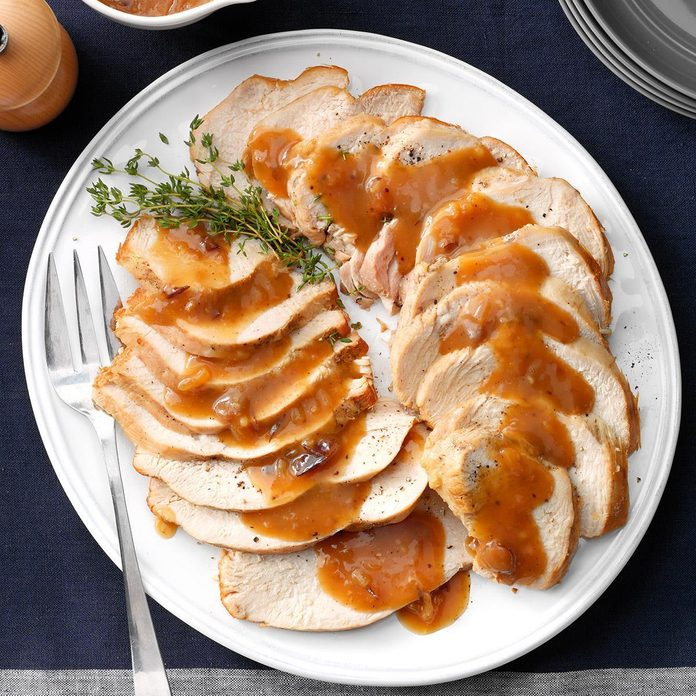 Slow Cooker Turkey Breast With Cranberry Gravy Exps Thn18 221617 D05 30 4b 4