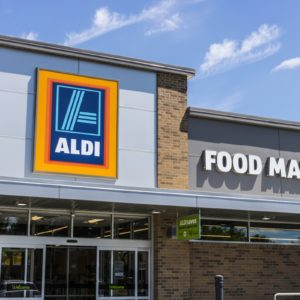 The Real Reason Aldi Has You Pay to Use Their Shopping Carts