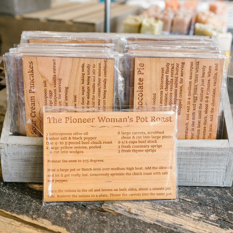 Set of wooden recipe cards sold by Ree Drummond