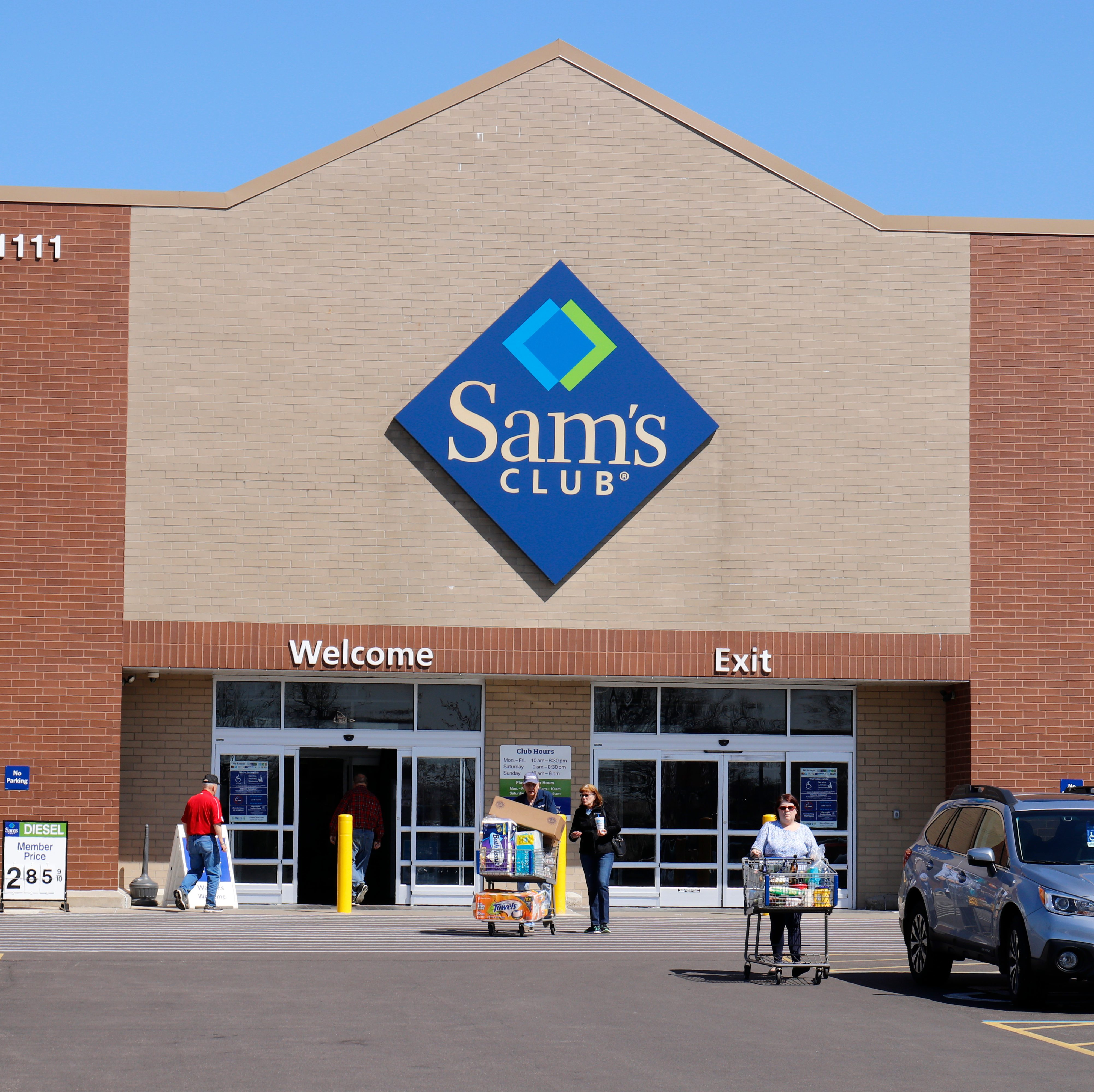 Sams Club Sunday Hours >> 10 Things Sam S Club Employees Want You To Know Taste Of Home