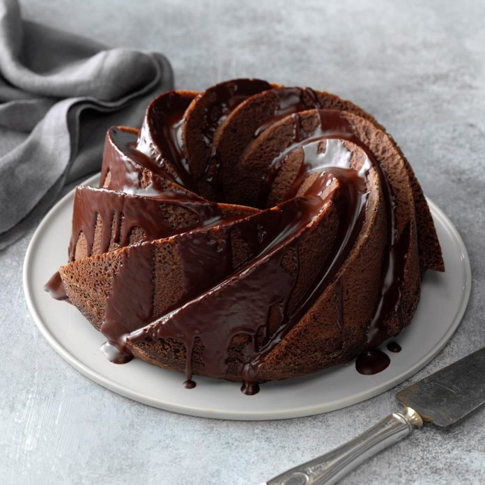 Tennessee: Chocolate Comfort Cake