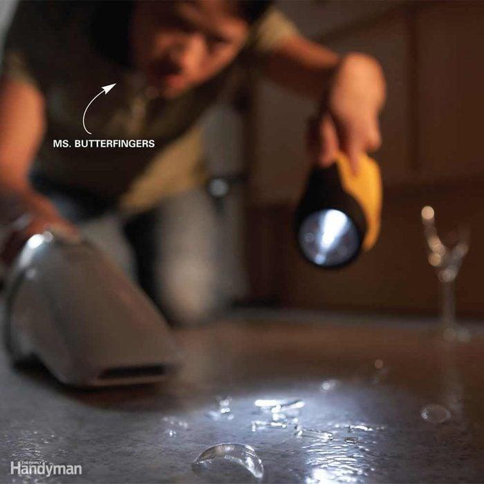 Flashlight Glass Finder