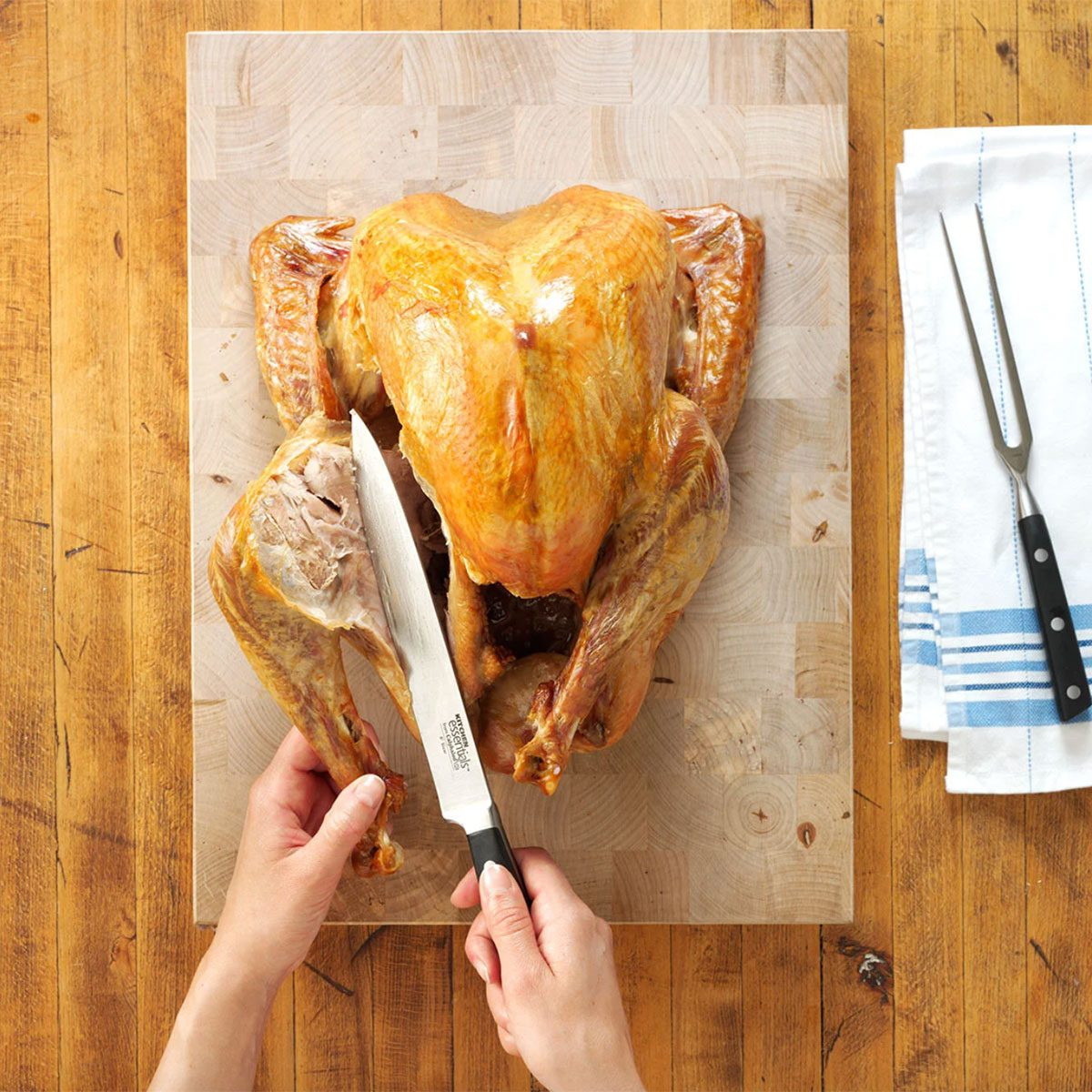 How to Carve a Perfect Turkey for Thanksgiving
