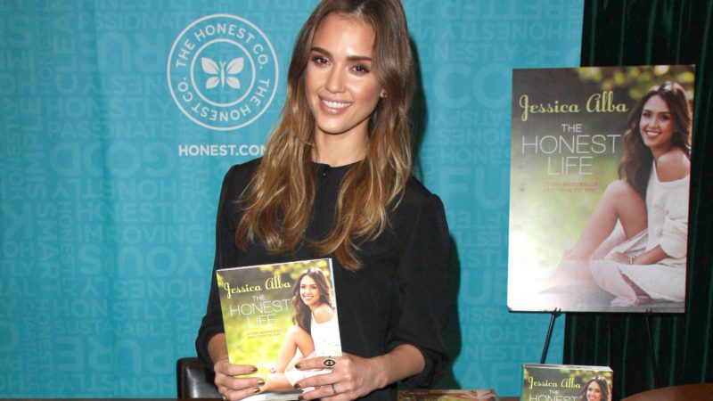 Jessica Alba 'The Honest Life' book signing, Pasadena, California, America - 16 Mar 2013