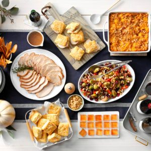 9 Friendsgiving Decoration Ideas for a Stunning Holiday Table