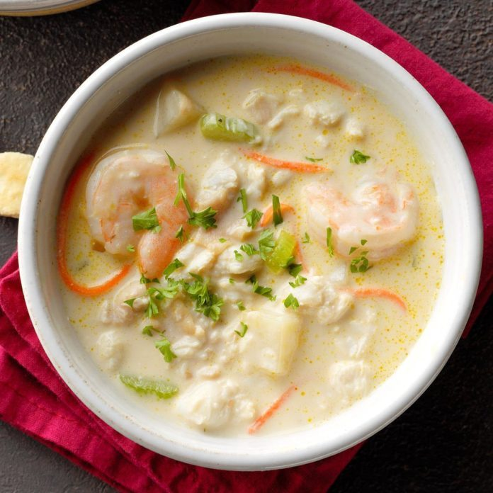 Rich Seafood Chowder