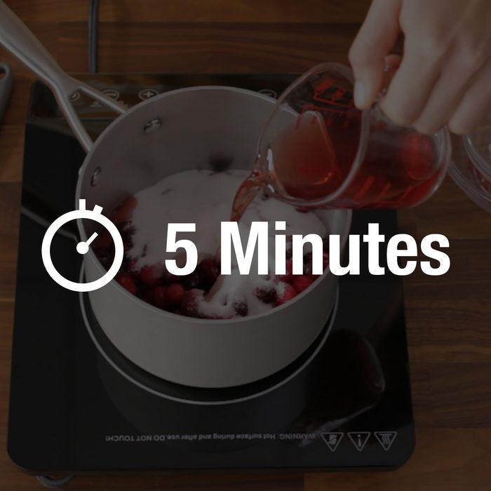 Making cranberry sauce