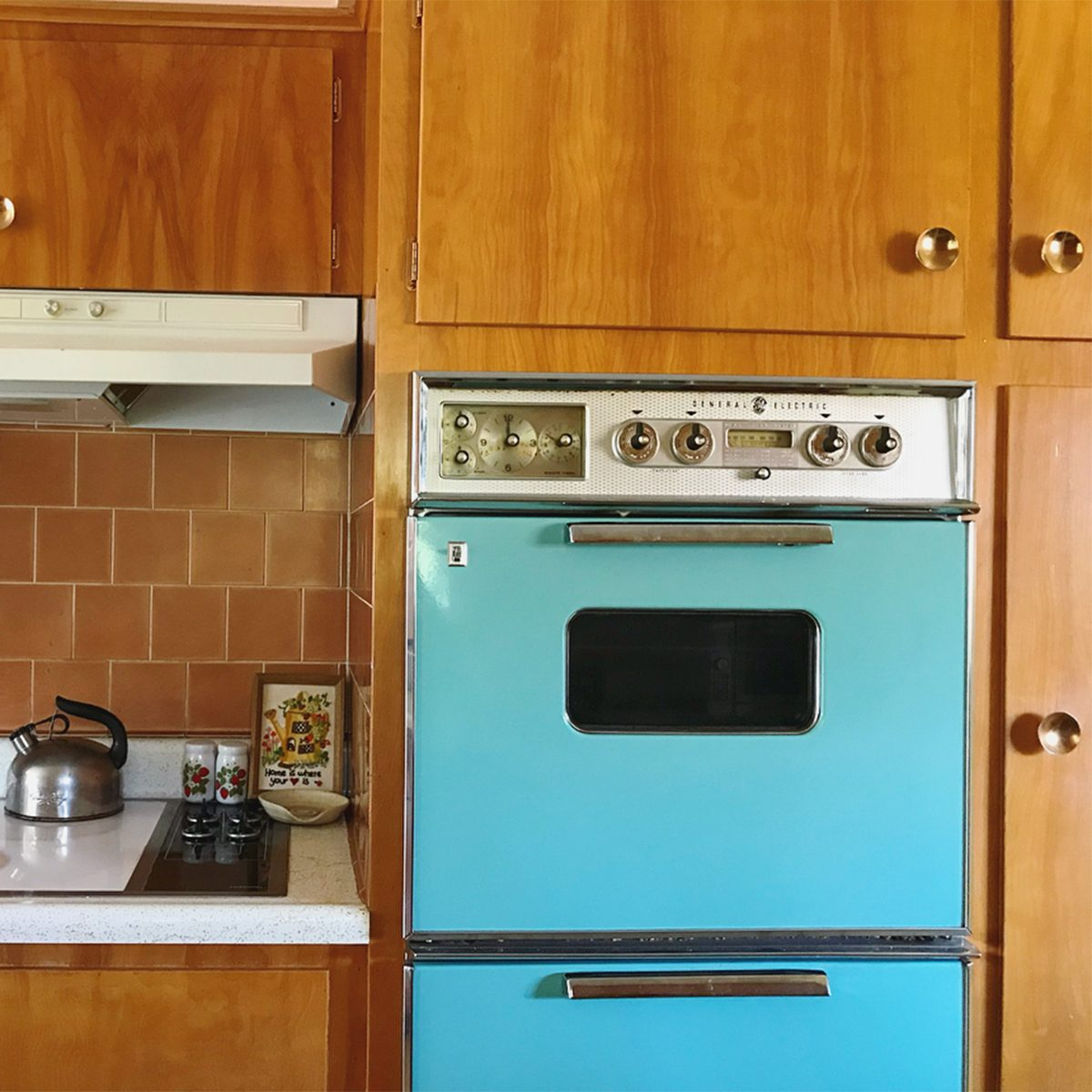 Vintage Kitchen Colors Straight from Your Mom\'s Kitchen ...