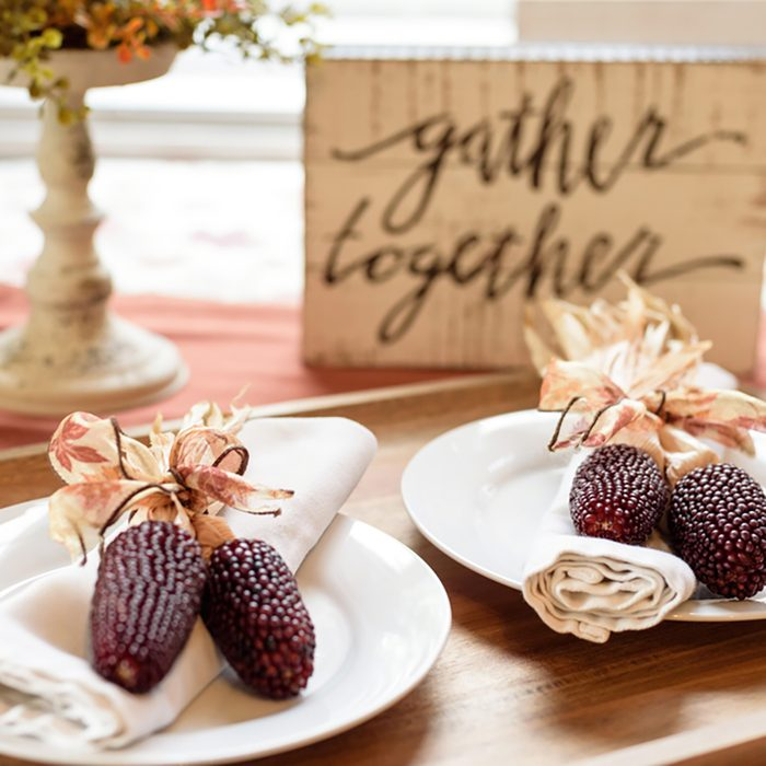 Thanksgiving table decor for a cozy gathering