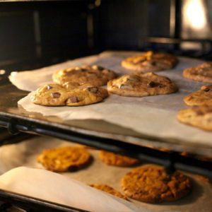 This Is the Best Oven Rack Position for Baking Cookies