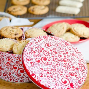 12 Christmas Cookie Tins Your Friends Will Want to Keep