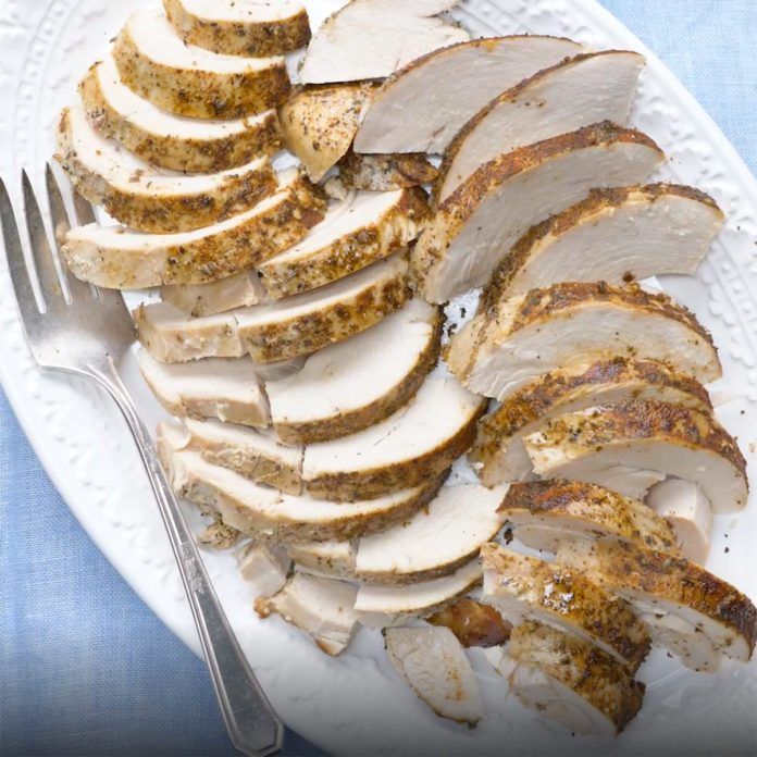 How to Cook a Turkey Breast in a Slow Cooker