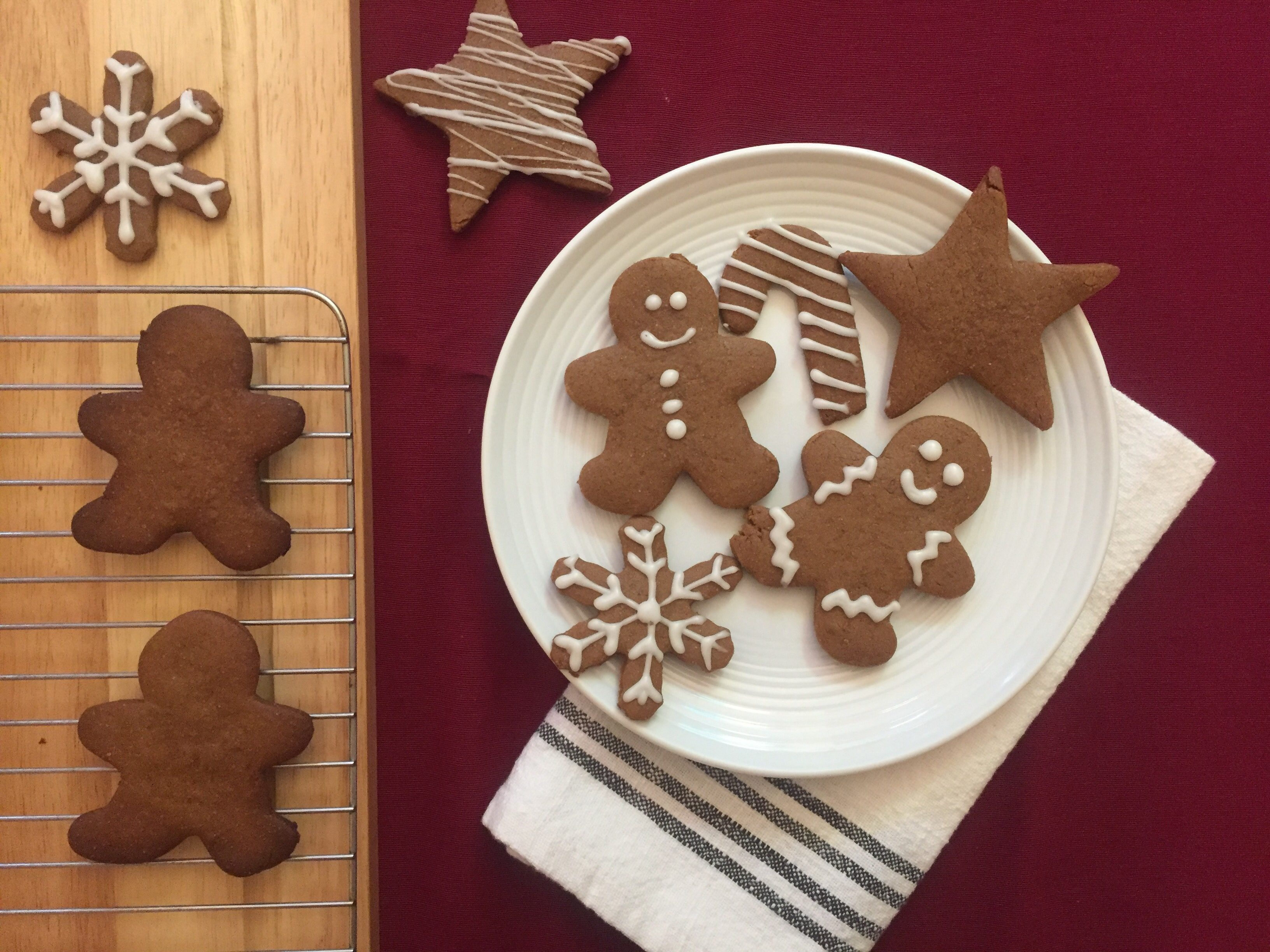 We Tried Ree Drummond S Favorite Gingerbread Cookie Recipe Taste
