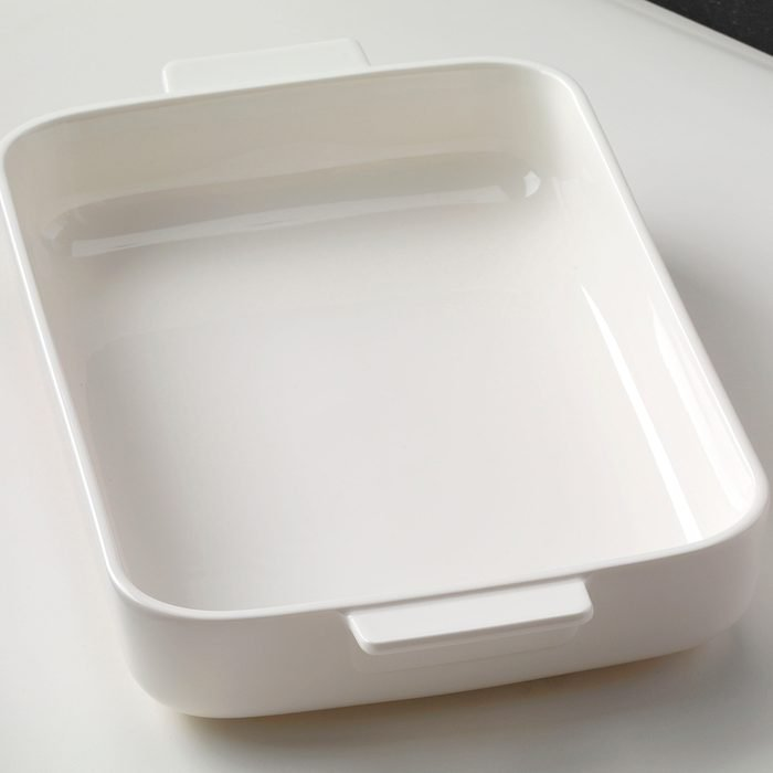 White 13x9 baking pan