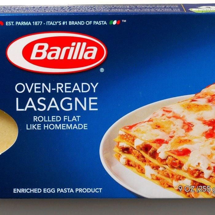 A box of oven-ready Barilla lasagna noodles.