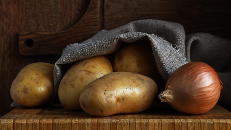 How to Store Potatoes and Onions the Right Way