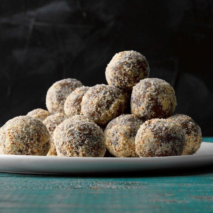 Almond Pecan Date Truffles Exps Thfm19 204007 B10 03 1b 3