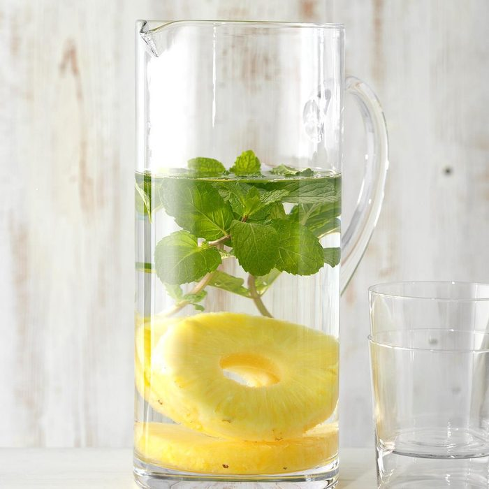 Healthy: Pineapple and Mint Infused Water