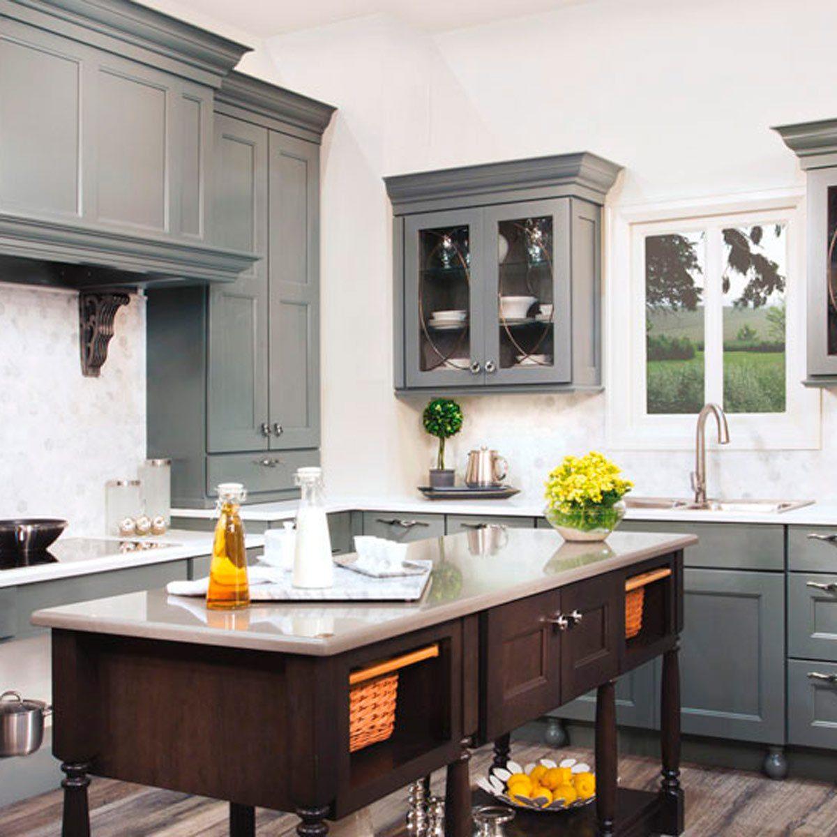 13 Stunning Dark Kitchen Cabinet Ideas