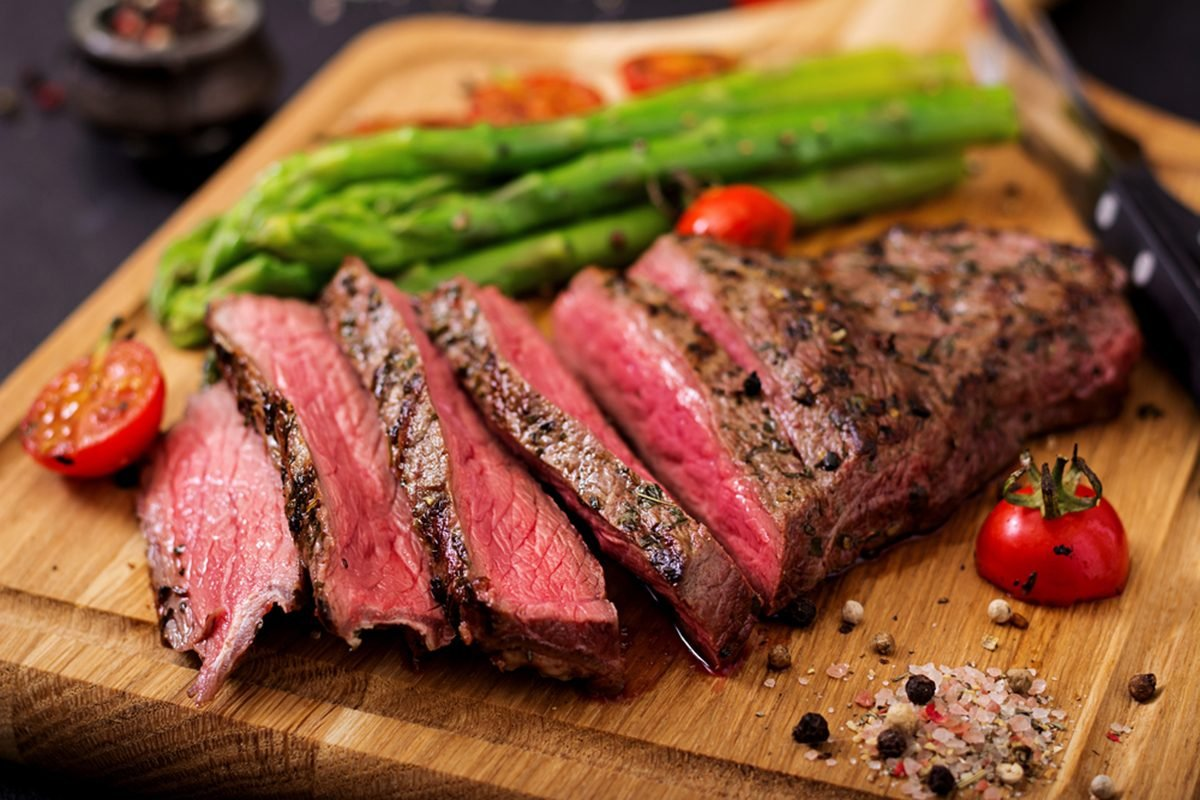 How to Cook Medium-Rare Steak Perfectly (Tips, Tricks and More)