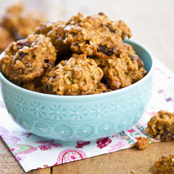 This Healthy Oatmeal Cookie Recipe Will Satisfy Your Cravings