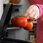 6 Ways to Identify Spoiled Food