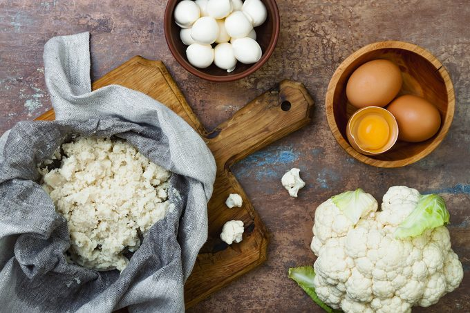 ingredients for cauliflower pizza crust