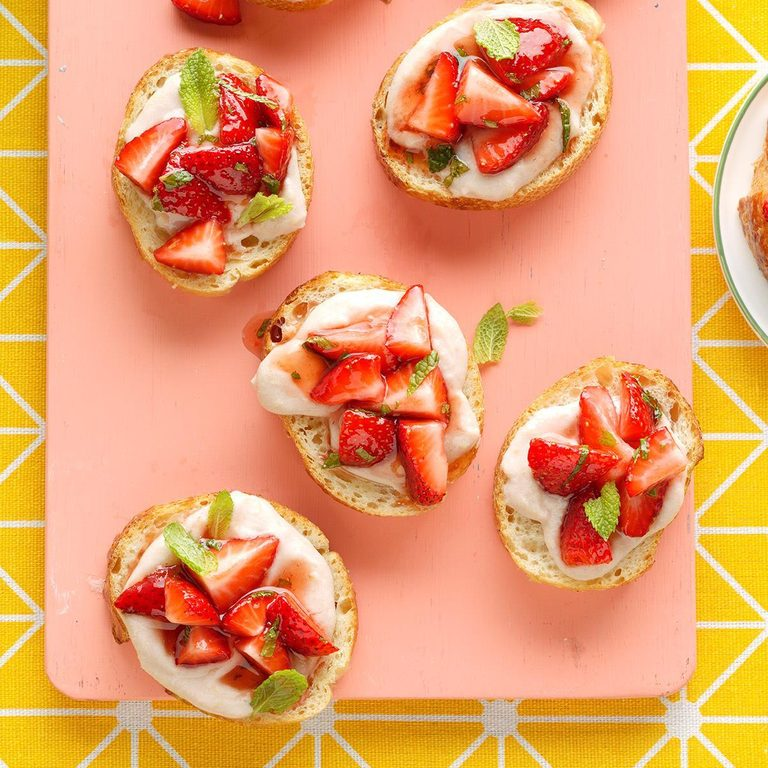 Strawberry Ricotta Bruschetta Exps Tham19 80247 B11 15 8b 2
