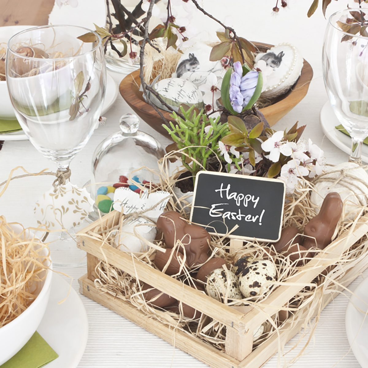 Table with easter and spring decoration