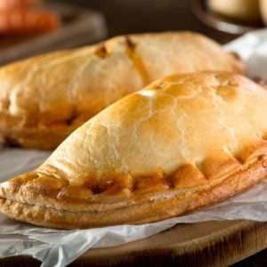 How to Make a Homemade Ham and Cheese Hot Pocket