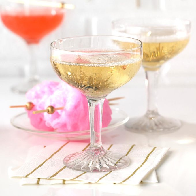Cotton Candy Champagne Cocktails Exps Hca19 233949 C10 02 3b 5