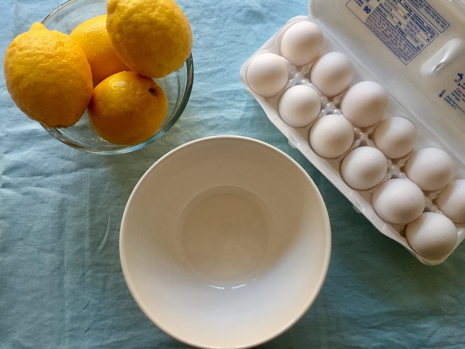 Making Reese Witherspoon's lemon pie with lemons, eggs and a bowl