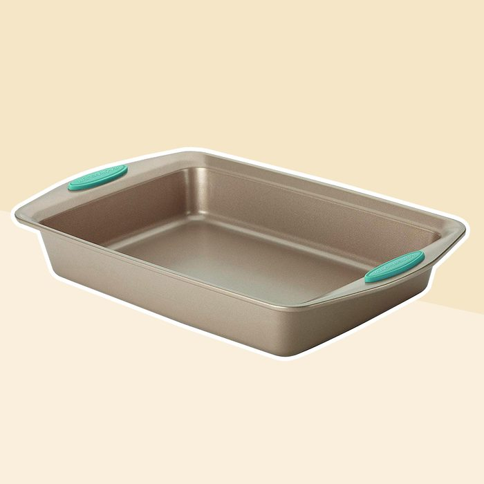 Rachael Ray Cucina Nonstick Bakeware 9-Inch by 13-Inch Rectangle Cake Pan, Latte Brown with Agave Blue Handles